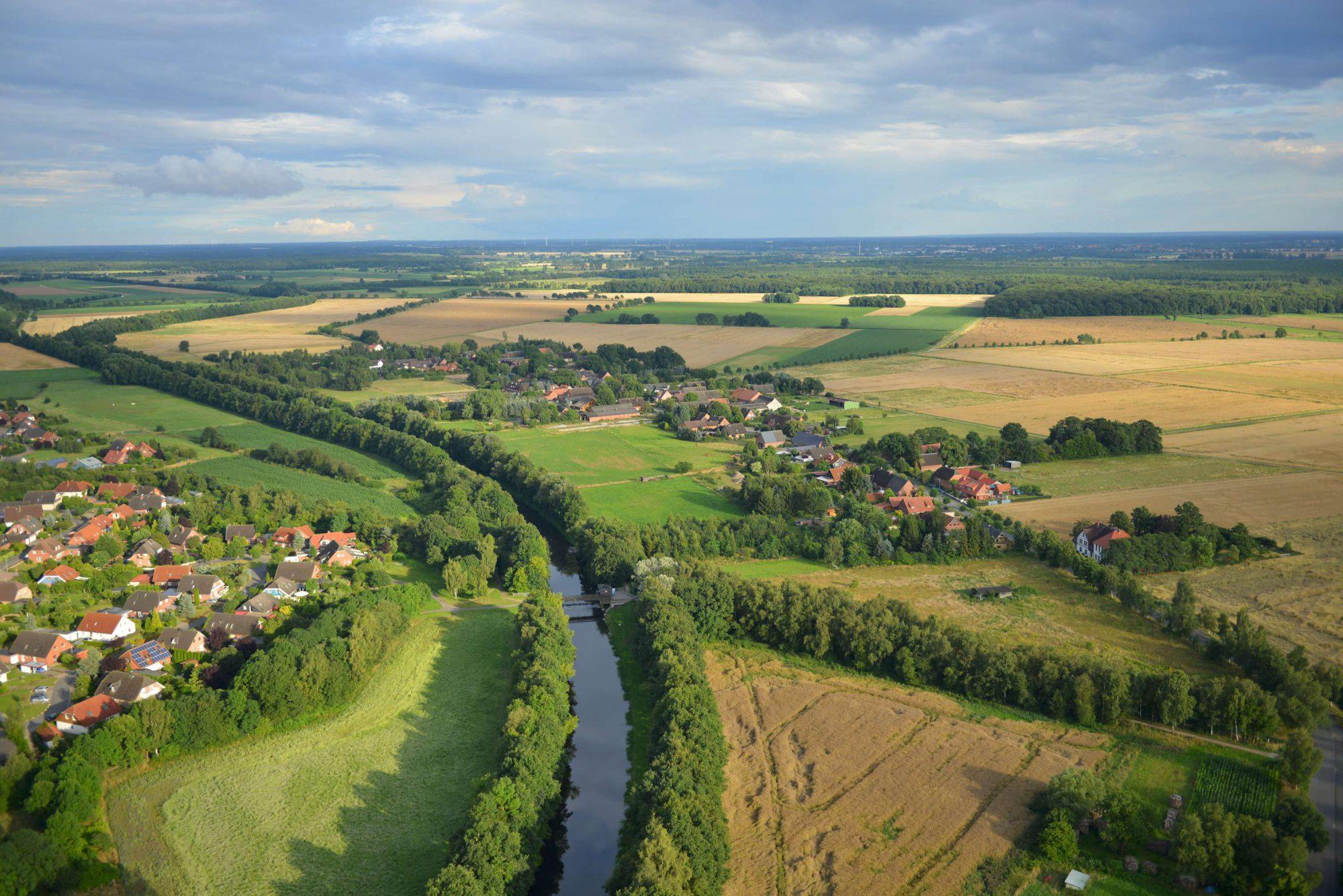 Luftbild von Wustrow und der Jeetzel